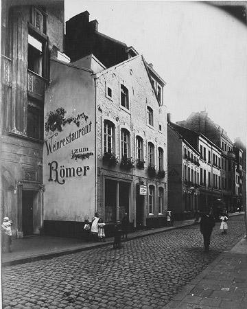 Das Haus in der Rosstraße 15–17 – hier wurde das Unternehmen gegründet